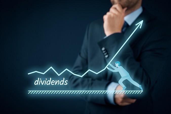 An der Börse sind es hingegen Einzelaktien von Unternehmen, die man kauft. So lässt sich die positive Kursentwicklung von einer Aktie wie Bayer oder BMW ausnutzen. (#01)