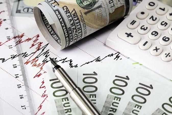 Es gibt unzählige Wertpapiere, die an den internationalen Börsenplätzen gehandelt werden. Durch die Online-Broker hat auch der private Anleger Zugang zu den Wertpapieren und kann sein Geld klug investieren. (#01)