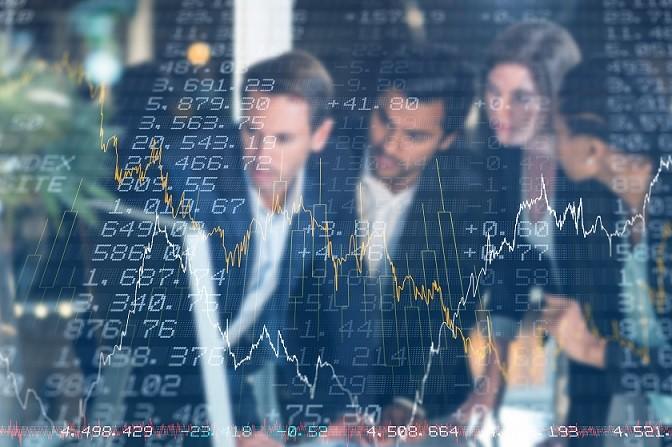 Zusätzlich bieten einige Online-Banken und Broker eine persönliche Beratung an. Die endgültige Entscheidung über Kauf- und Verkauforders liegt jedoch beim Depotbesitzer.(#01)