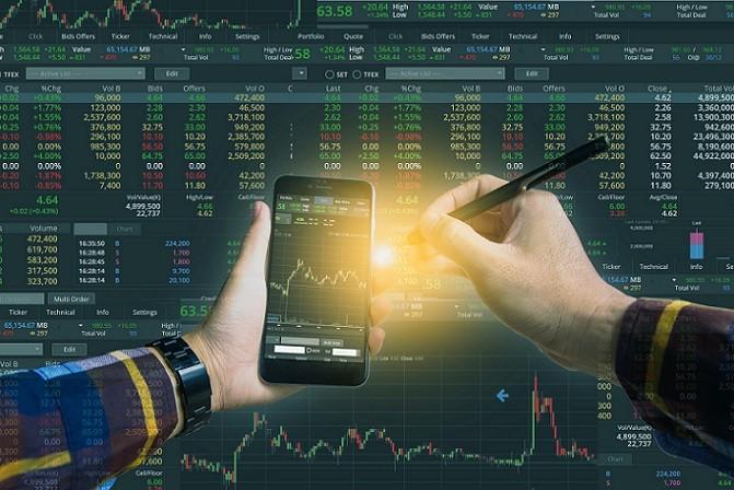 Der eigentliche Wertpapierhandel findet auf dem Börsenparkett statt oder als außerbörslicher Direkthandel. Bevor man in den Handel mit Aktien einsteigt, sollte man sich über die diversen Möglichkeiten informieren und sich intensiv mit der Thematik beschäftigen.(#01)