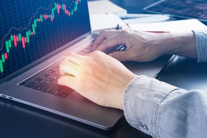 Ein Blick auf die Uhr und auf das Börsengeschehen reicht aus, um festzustellen, was für Aktien jetzt kaufen. Interessant sind zurzeit besonders (#01)