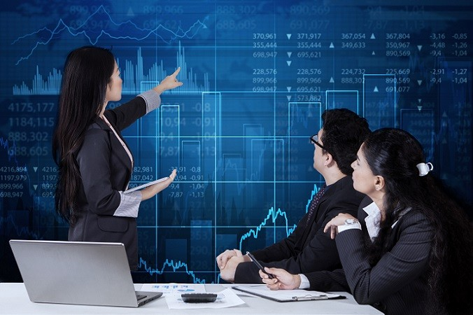 Wieso Aktien kaufen, wenn doch ein gewisses Risiko besteht? Sicherlich muss man damit rechnen, dass die Aktienkurse auch einmal Verluste machen. Wenn es sich um starke Börsenunternehmen handelt, kann man jedoch einfach abwarten, bis sich der Kurs wieder nach oben entwickelt. (#01)