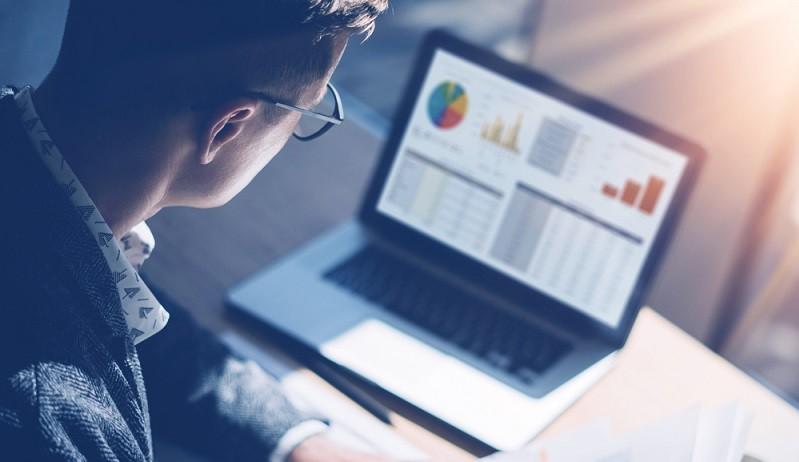 Um ein Aktiendepot strategisch aufzustellen, muss man Risiken einschätzen können. Nicht umsonst sind die Banker dazu verpflichtet, ihre Kunden hinsichtlich der Börsenerfahrung zu befragen. (#01)