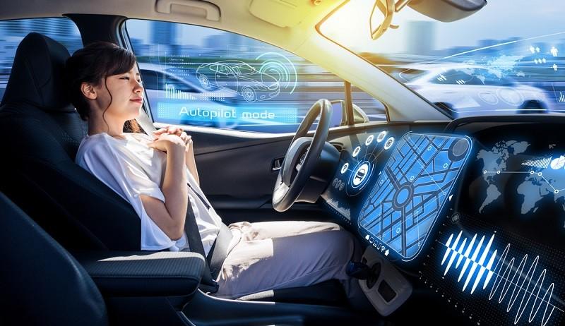 Abseits der Antriebsart, bei der die Entwicklung hin zur Elektromobilität ja bereits praktisch unaufhaltsam scheint, spielt auch das autonome Fahren zukünftig eine immer größere Rolle. (#01)
