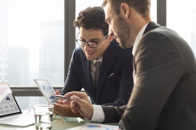 Mit Knock Out Zertifikaten können Anleger große Gewinne machen, jedoch gibt es einige Dinge zu beachten. Im Zweilfelsfall lieber beraten lassen. (#2)