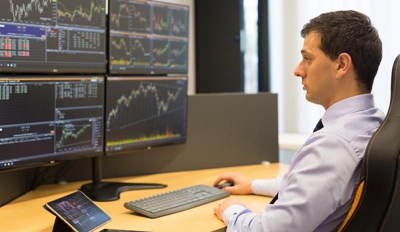 Selbstverständlich beschränkt sich die Börse nicht nur auf Halbleiter Aktien von Infineon, auch andere Hersteller sind gefragt und mit etwas Glück eine gute Investition in die Zukunft und eine Aktie, die potentiell eine starke Rendite aufweisen kann. (#02)