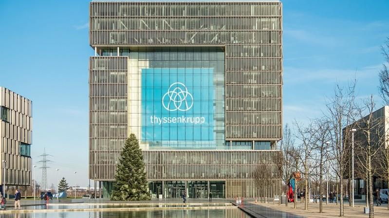 Welche Pläne in der Firmen-Zentrale konkret verfolgt werden, ist an der Börse nicht ganz klar. Es gibt auch die Option, dass der Geschäftsführer der ThyssenKrupp AG, Heinrich Hiesinger, den gesamten Konzern umbildet und eine Holding-artige Struktur schafft. (#02)