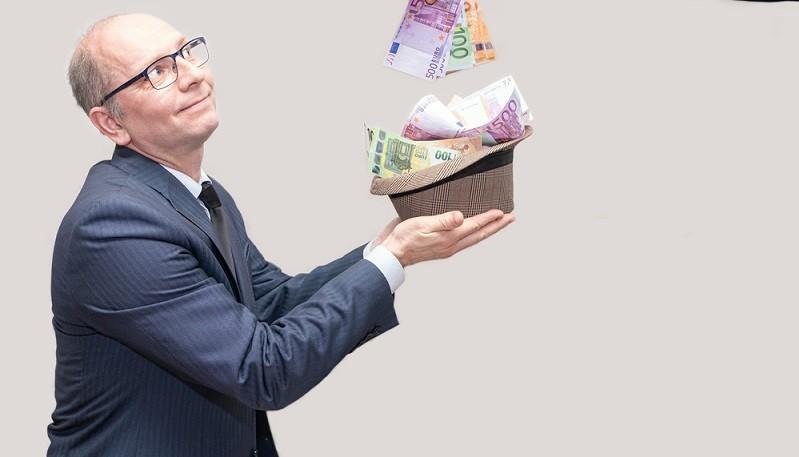 Ach ja, ehe ich es vergesse, möchte ich noch auf eine Feinheit hinweisen: Aktiengewinne und Dividenden werden in Deutschland versteuert. ( Foto: Shutterstock- BORISENKOFF )