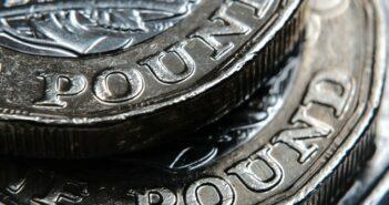 Steigende Verschuldung der Verbraucher in Großbritannien (Foto: shutterstock - Ascannio)